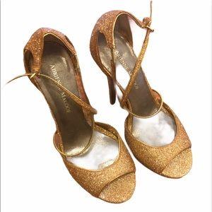 Adrienne Maloof Yvonne gold glitter heels Size 7.5